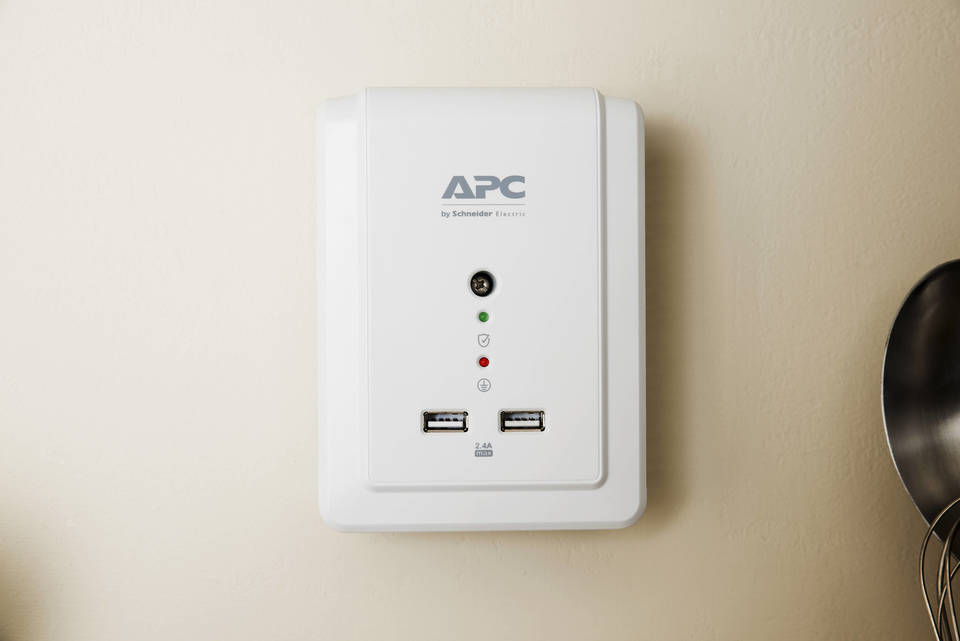 Apc Surgearrest 6 Outlet 2 Usb Wall Mounted Surge